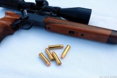 predpažbie s umiestnenou páčkou pre rozloženie zbrane