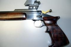 odsunutý cieľnik, poistka otváranie zbrane